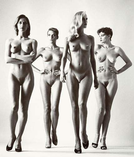 Helmut NEWTON (1920-2004). Sie Kommen I (Here they come, naked), Paris, 1981